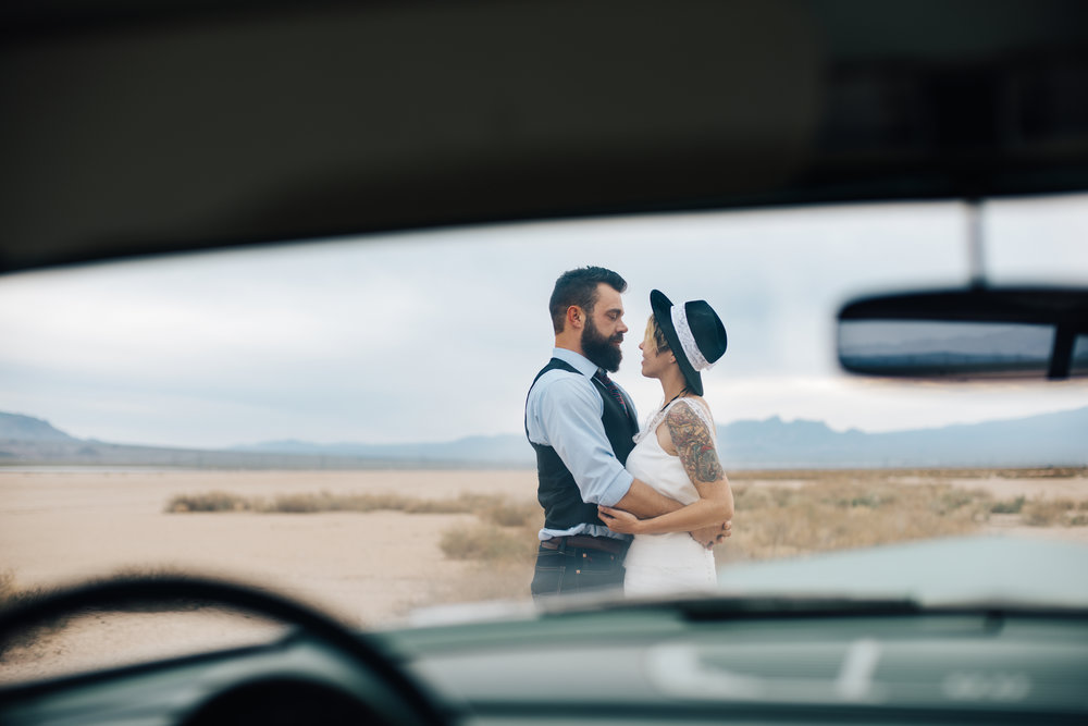 dry lake bed elopement peachy keen unions las vegas wedding tattoo shop photography by ashley marie-240 copy.jpg
