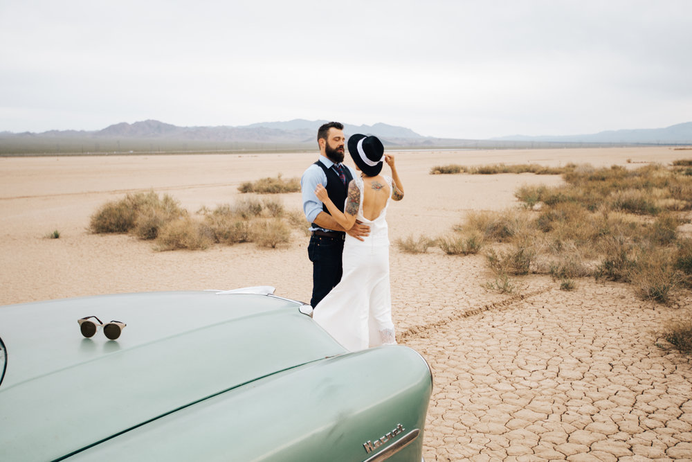 dry lake bed elopement peachy keen unions las vegas wedding tattoo shop photography by ashley marie-249 copy.jpg