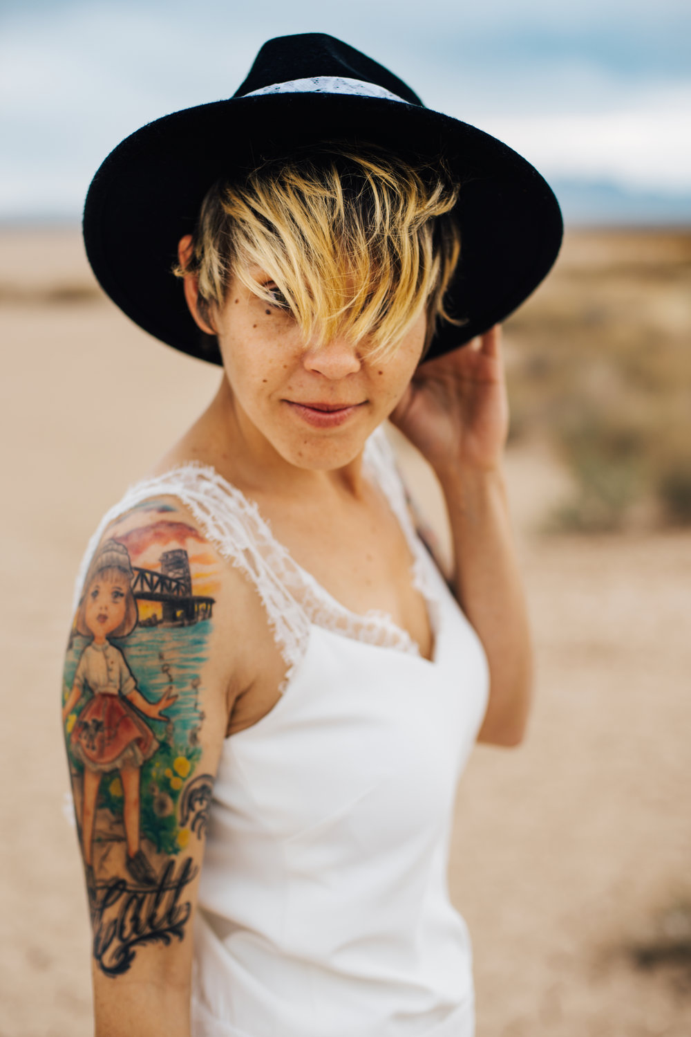 dry lake bed elopement peachy keen unions las vegas wedding tattoo shop photography by ashley marie-264 copy.jpg