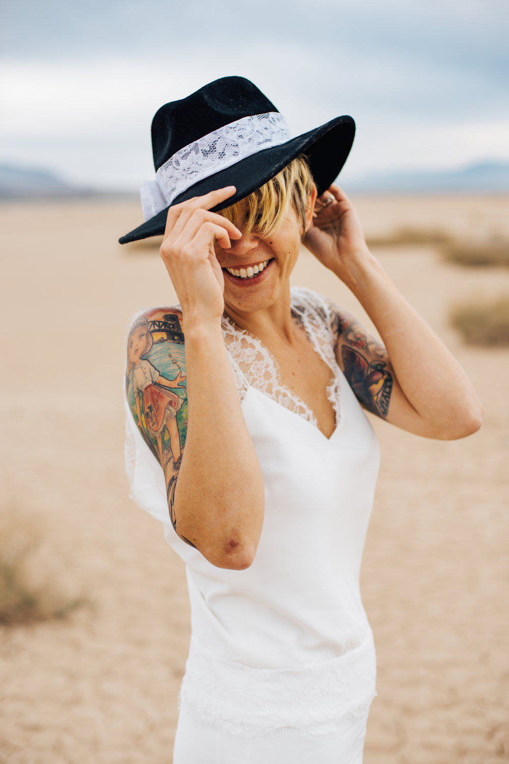 dry lake bed elopement peachy keen unions las vegas wedding tattoo shop photography by ashley marie-266 copy.jpg