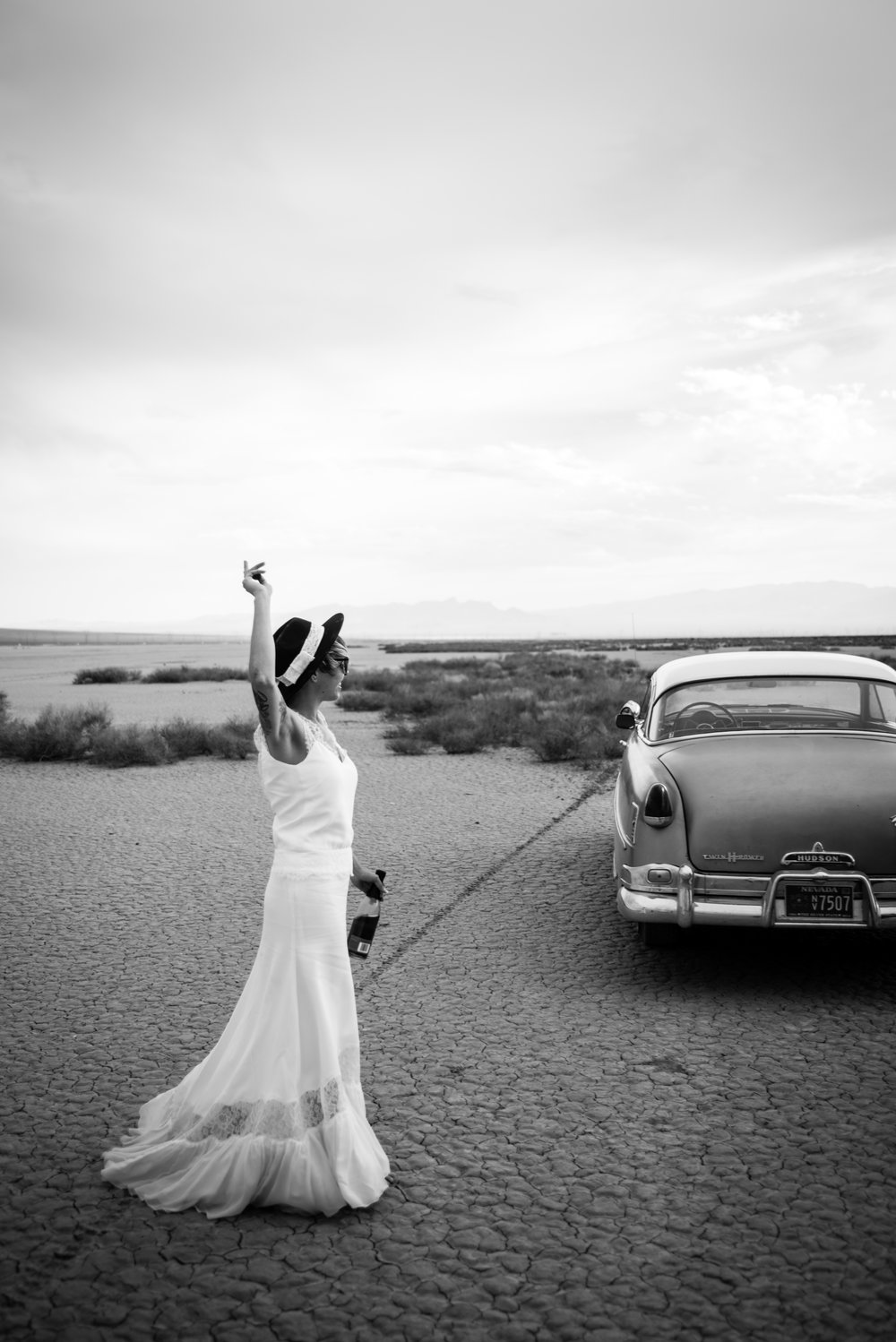 dry lake bed elopement peachy keen unions las vegas wedding tattoo shop photography by ashley marie-354 copy.jpg