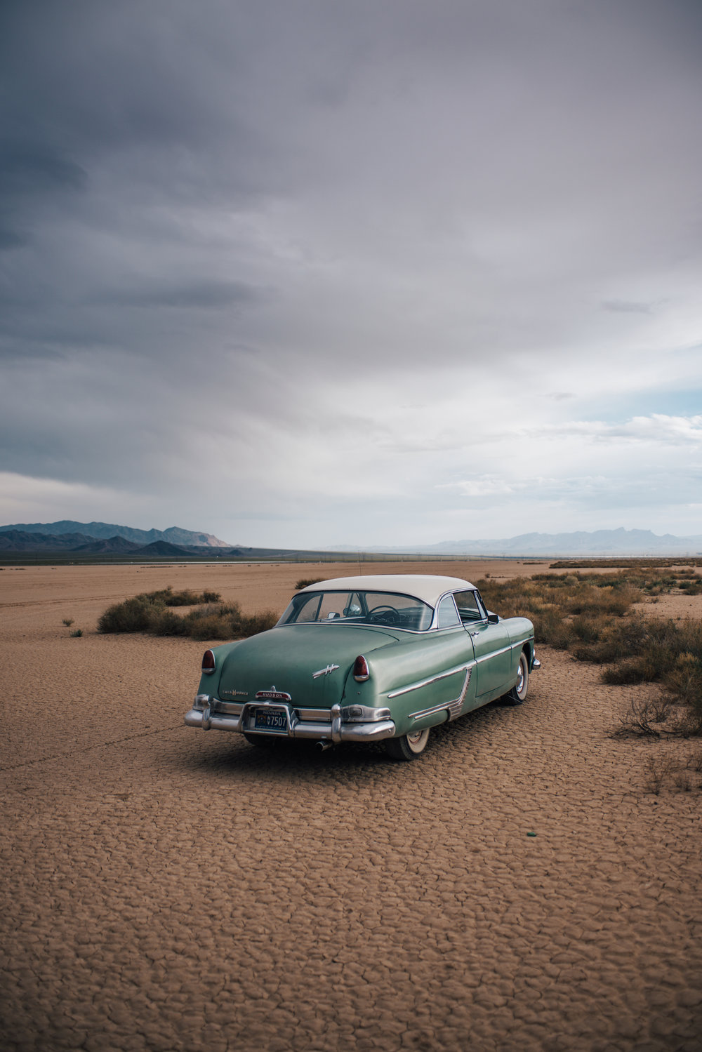 dry lake bed elopement peachy keen unions las vegas wedding tattoo shop photography by ashley marie-357 copy.jpg