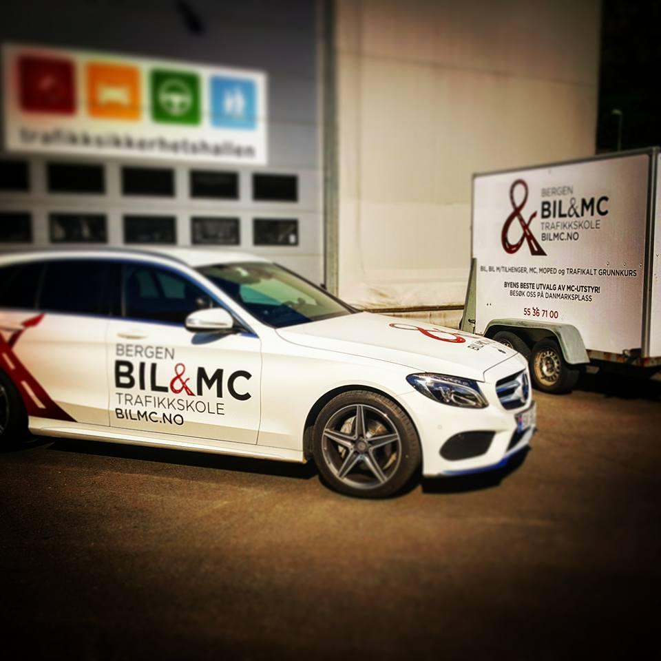 Bil med tilhenger - Vi tilbyr opplæring i klassene BE og B96. Forskjell i maksimal vekt og førerprøve.