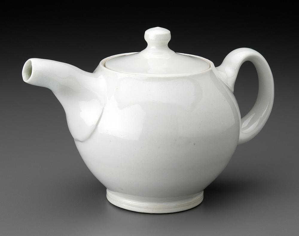 teapot, Michael McCarthy. (photo credit:John Polak)