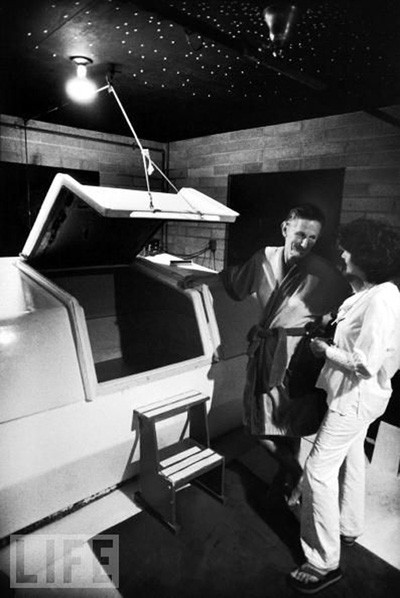 Lilly with one of the first isolation tanks (LIFE)
