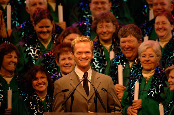 Neil Patrick Harris returns to the 2015 Candlelight Processional Nov 30 through Dec 3