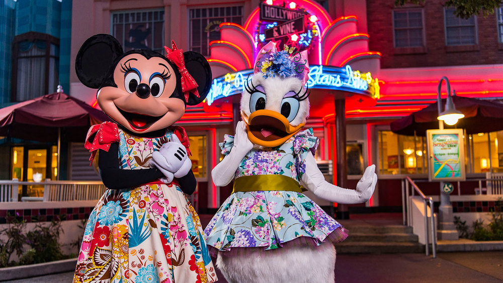 Join Minnie Mouse and pals at a new Character Meal experience at Walt Disney World.