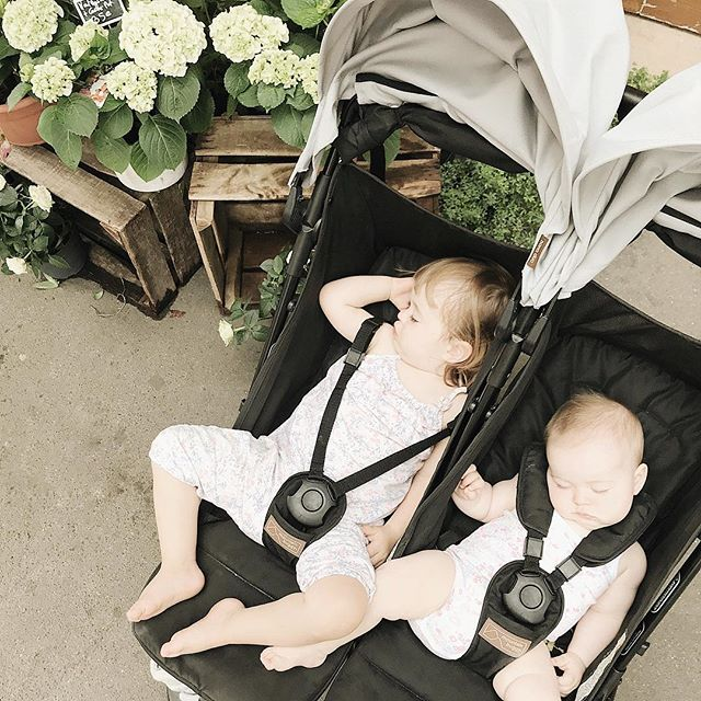 The legendary double stroller nap, achieved! Feeling like I'm winning at #momlife right now. Merci @mountain_buggy 🙌🏻