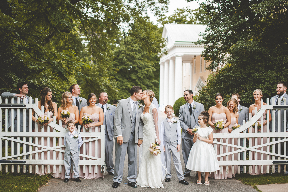Viva_Love_Philadelphia_Wedding_Photographer_-1021.jpg