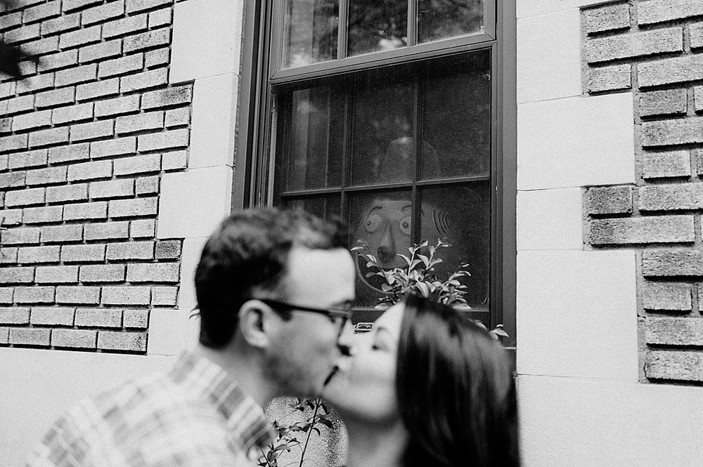 SarahZach-21_viva-love-philadelphia-wedding-photographer-philly-engagement_.jpg