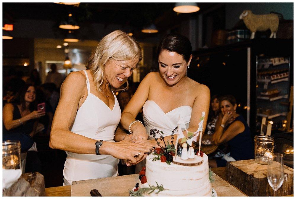 shannon-ruth-viva-talulas-garden-wedding-viva-love-philadelphia-photographer-philly-elopement-_0135.jpg