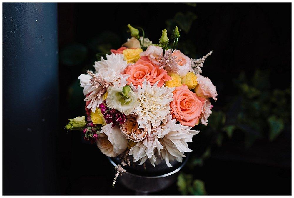 shannon-ruth-viva-talulas-garden-wedding-viva-love-philadelphia-photographer-philly-elopement-_0127.jpg