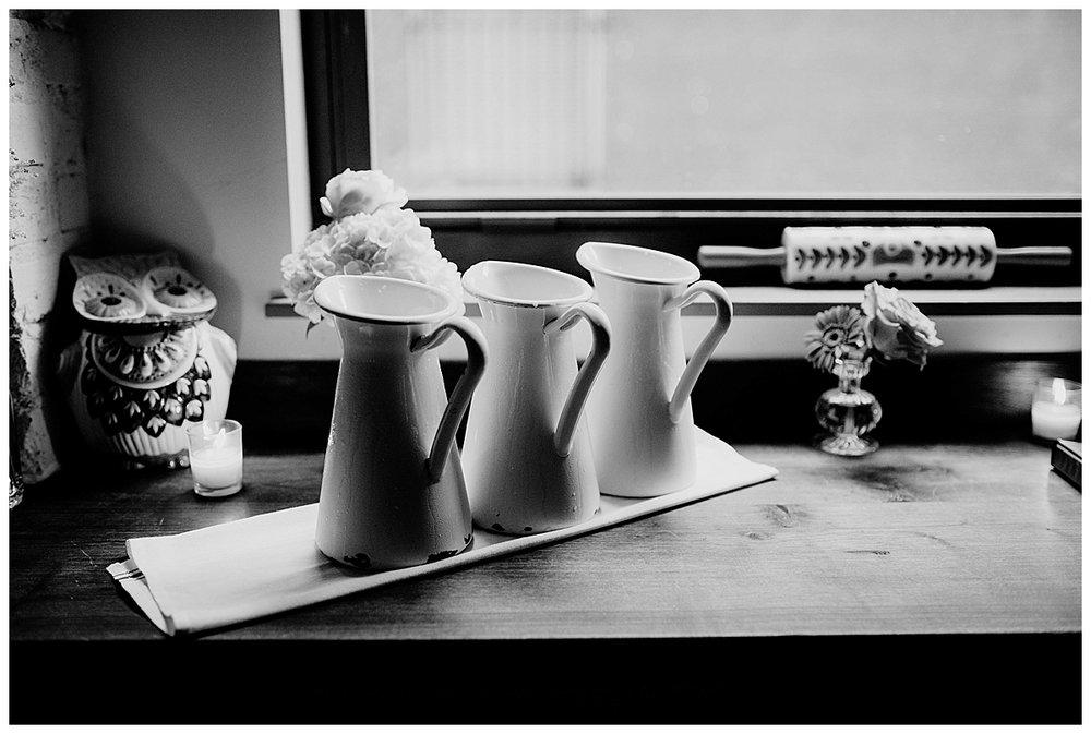 shannon-ruth-viva-talulas-garden-wedding-viva-love-philadelphia-photographer-philly-elopement-_0123.jpg