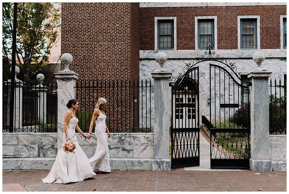 shannon-ruth-viva-talulas-garden-wedding-viva-love-philadelphia-photographer-philly-elopement-_0104.jpg