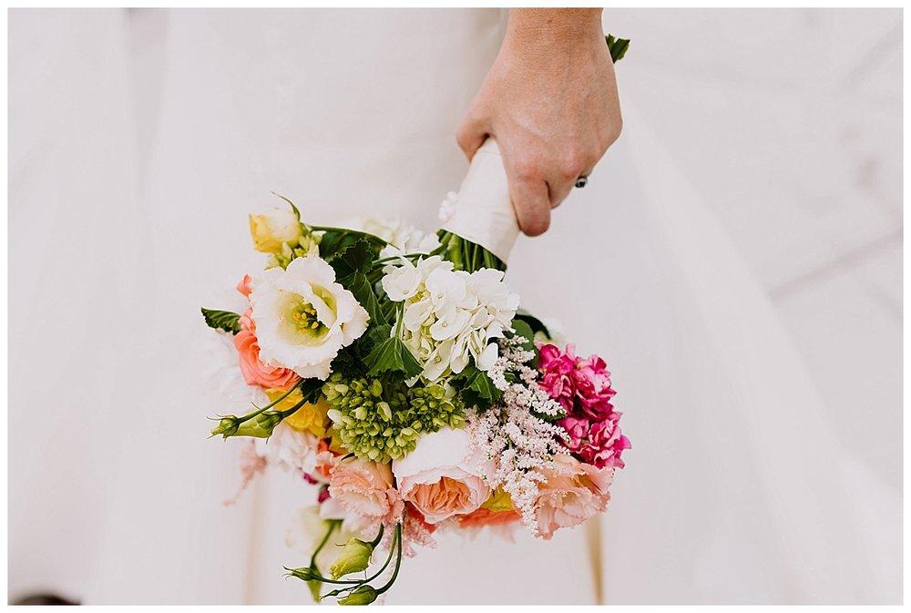shannon-ruth-viva-talulas-garden-wedding-viva-love-philadelphia-photographer-philly-elopement-_0101.jpg