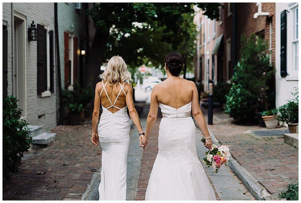 shannon-ruth-viva-talulas-garden-wedding-viva-love-philadelphia-photographer-philly-elopement-_0099.jpg