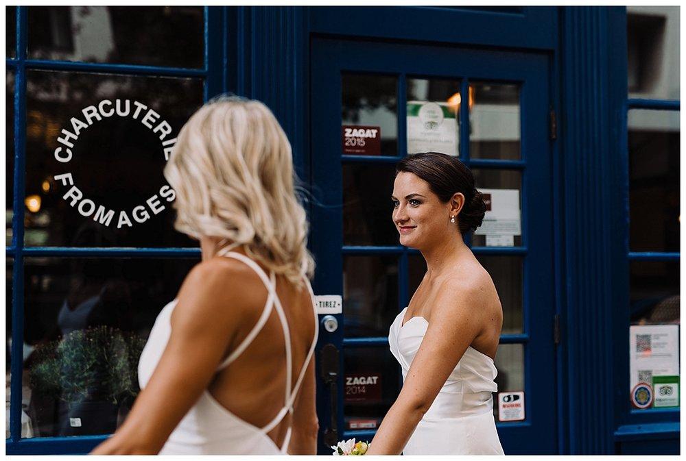 shannon-ruth-viva-talulas-garden-wedding-viva-love-philadelphia-photographer-philly-elopement-_0100.jpg