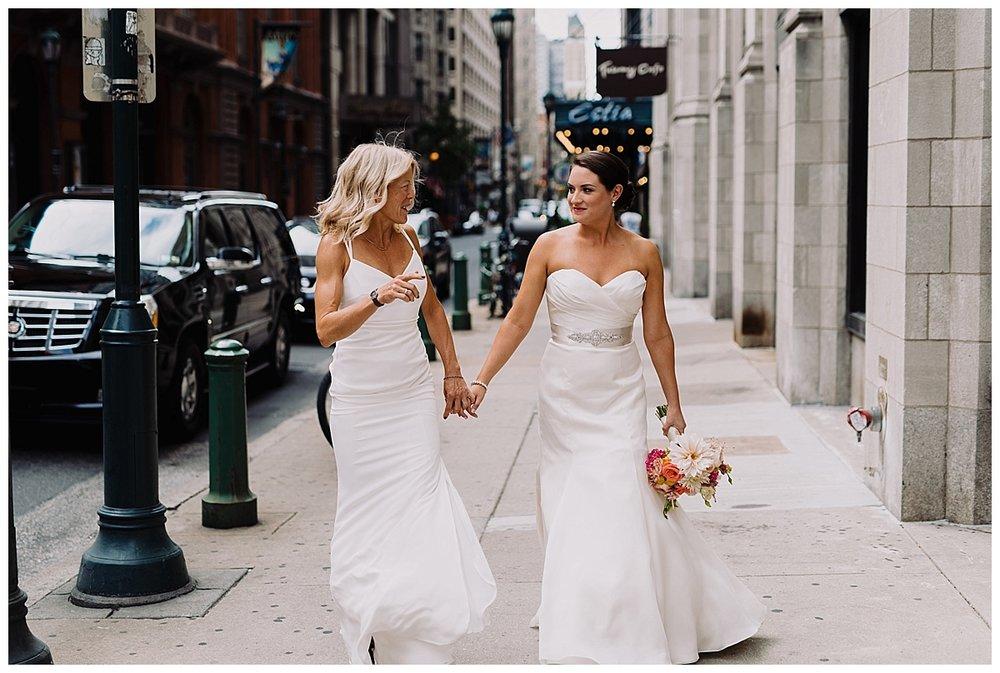 shannon-ruth-viva-talulas-garden-wedding-viva-love-philadelphia-photographer-philly-elopement-_0094.jpg