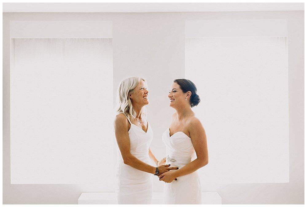 shannon-ruth-viva-talulas-garden-wedding-viva-love-philadelphia-photographer-philly-elopement-_0089.jpg