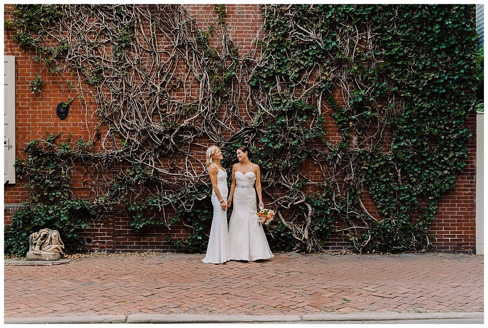 vivalove-shannon-ruth-talulas-garden-philadelphia-wedding_0011.jpg