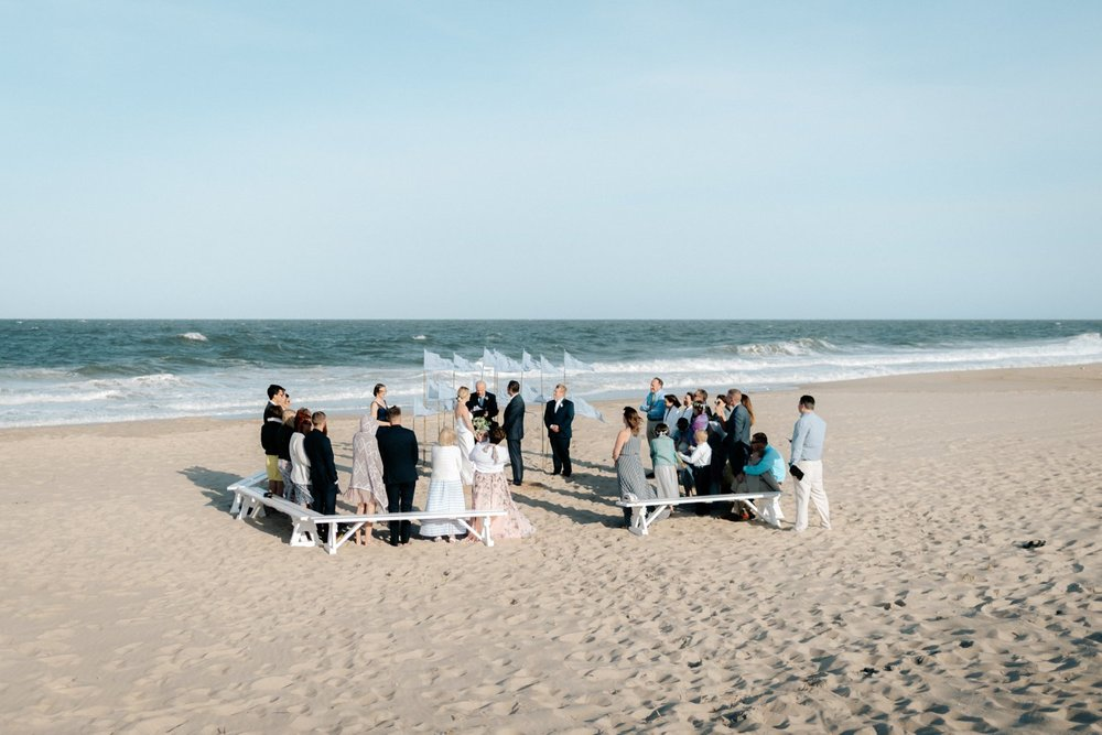 philadelpia-new-jersey-wedding-photographer-beach-backyard-stringlights-fun_0303.jpg