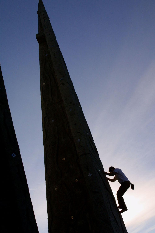 rock climbingg.jpg