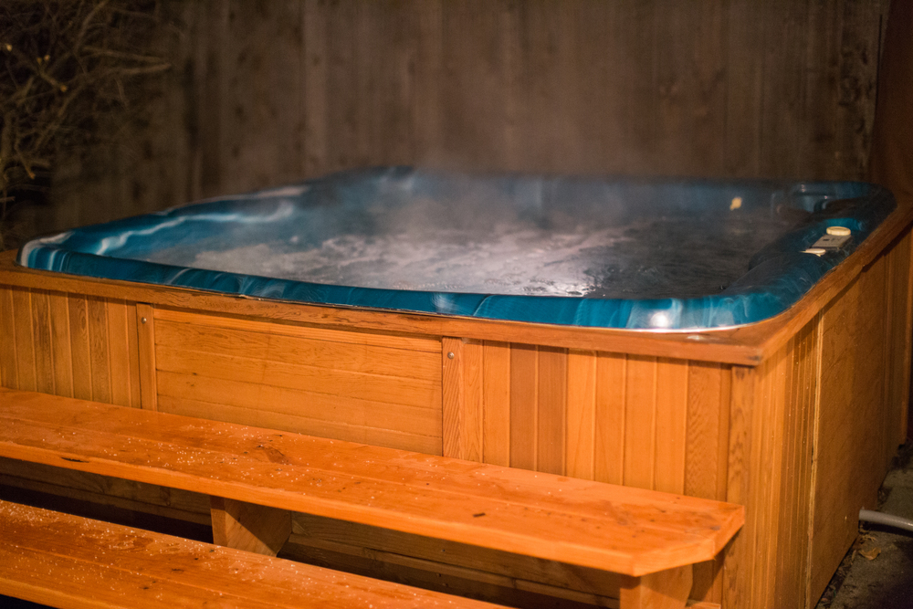 Join five friends to stargaze in the hot tub.