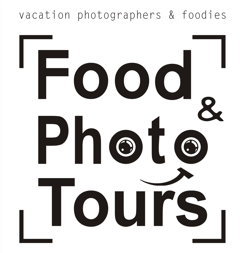 0001 logo www vallarta food and photo tours con fondo blanco.png