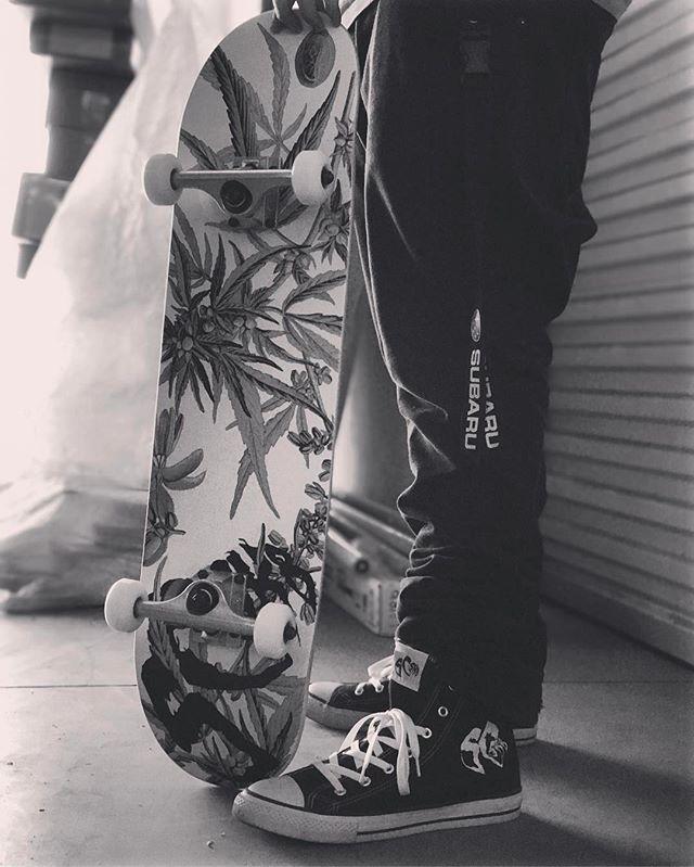 Shop @ SCSK8.COM for all your skateboard needs 🙌🏻 plus FREE SHIPPING #skateboarding #skatelife #skateordie #losangeles #skateeveryday #skateboard #chucks #420 #maryjane #fourtwenty