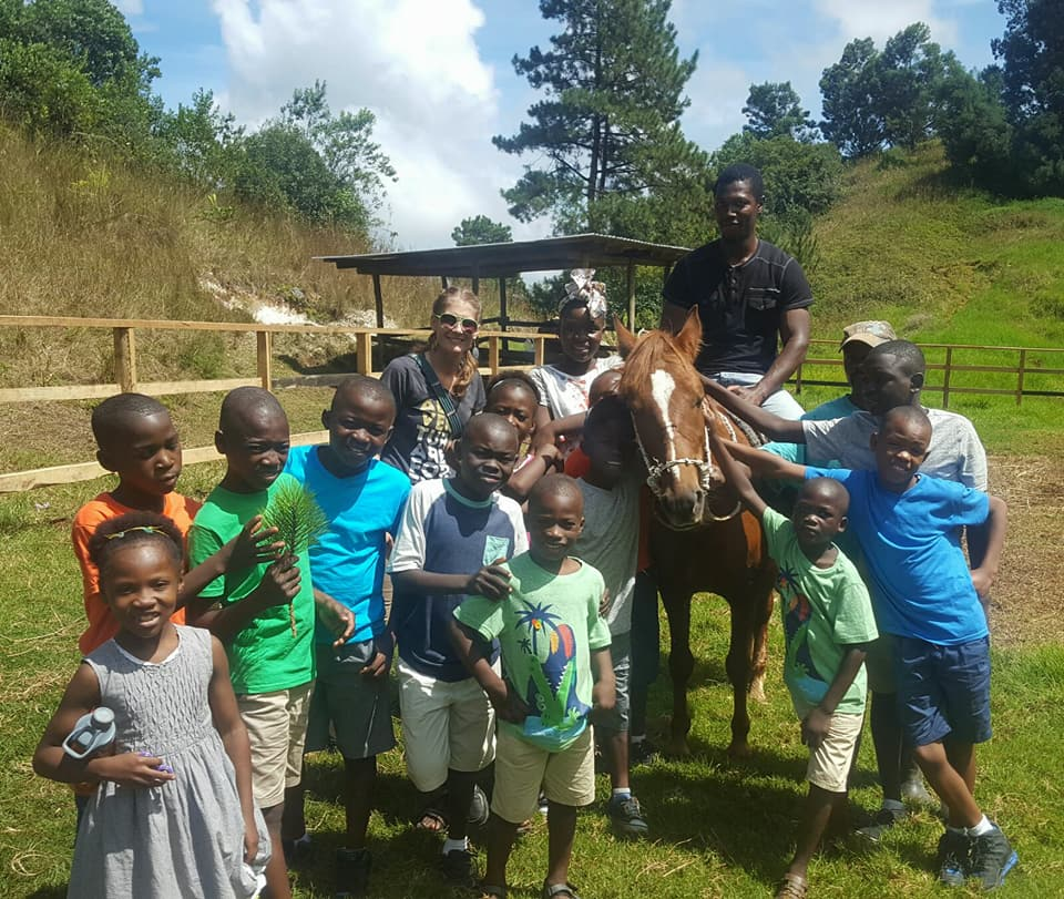 wynn kids and horse.jpg