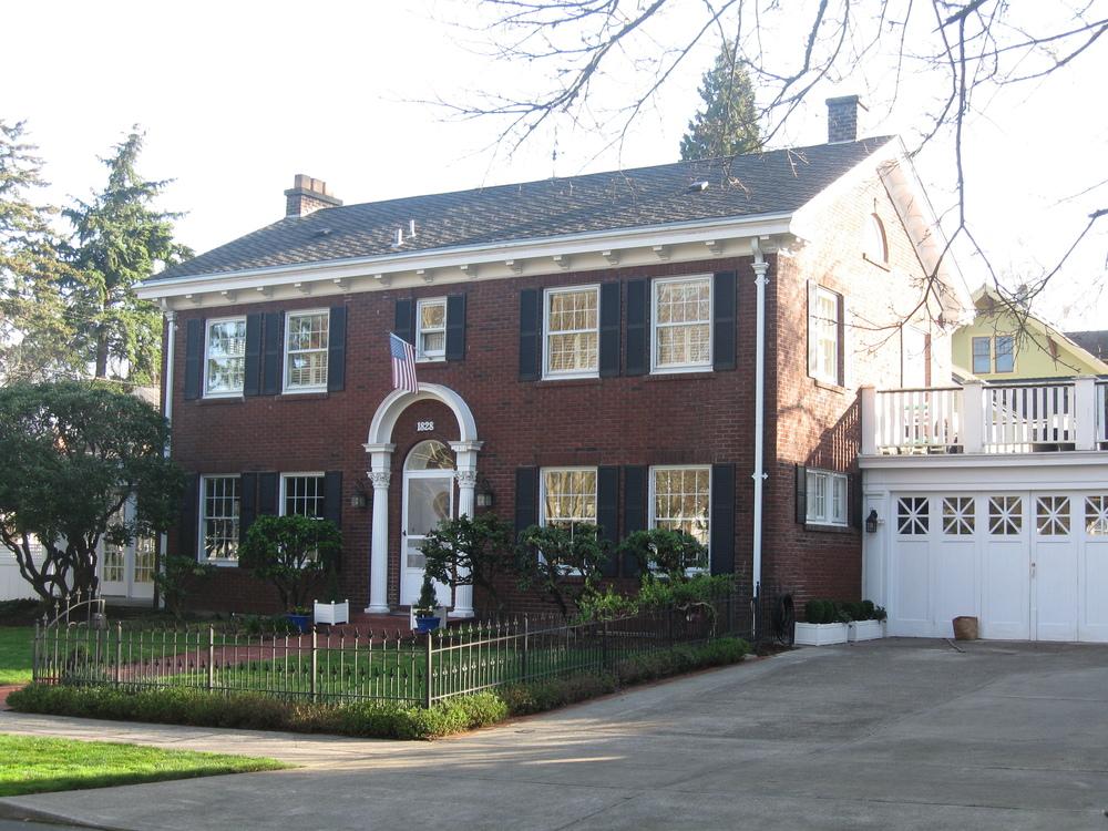 1828 NE Siskiyou Street