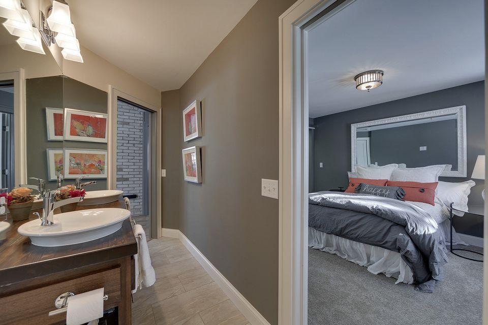 5330 Master Bed & Bath.jpg