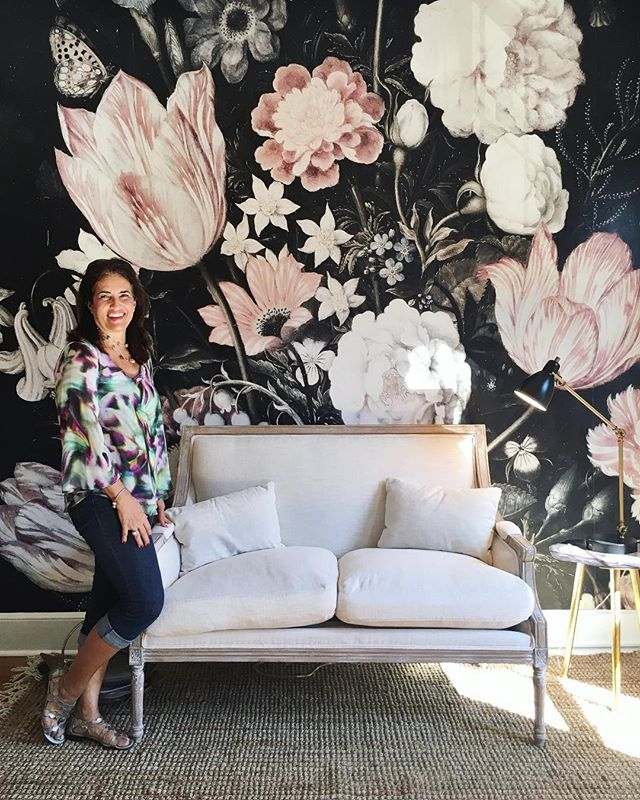 Our Mother-daughter date day started out by visiting this unbelievable city gem at 509 E Chestnut street. I mean, EVERY single room is swoon worthy and the home is filled with inspiration. (And isn't my Momma just the cutest) 💕  @thegreaterpurposeteam and @thechrisandclaudeco thanks for sharing your work, talent and hospitality with us!! We enjoyed every minute of it. ✨