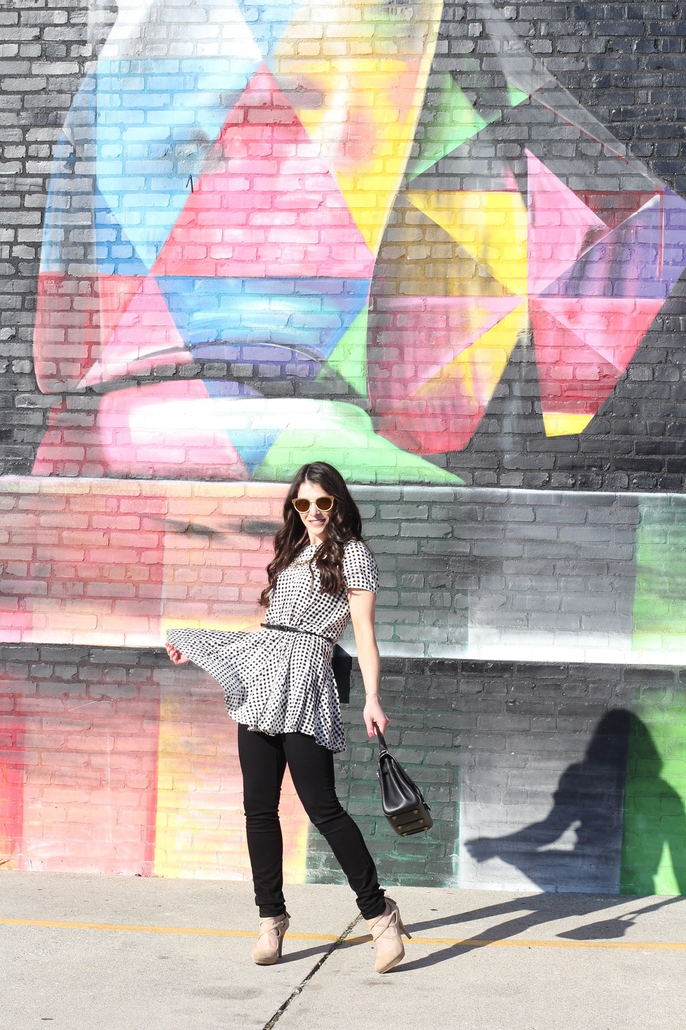 Fashion Blogger, Trench Coat with Ruffles, J Brand Skinny Jeans, Colorful Mural, Tory Burch Sunglasses, Vintage Dooney and Bourke Handbag, Gingham Tunic