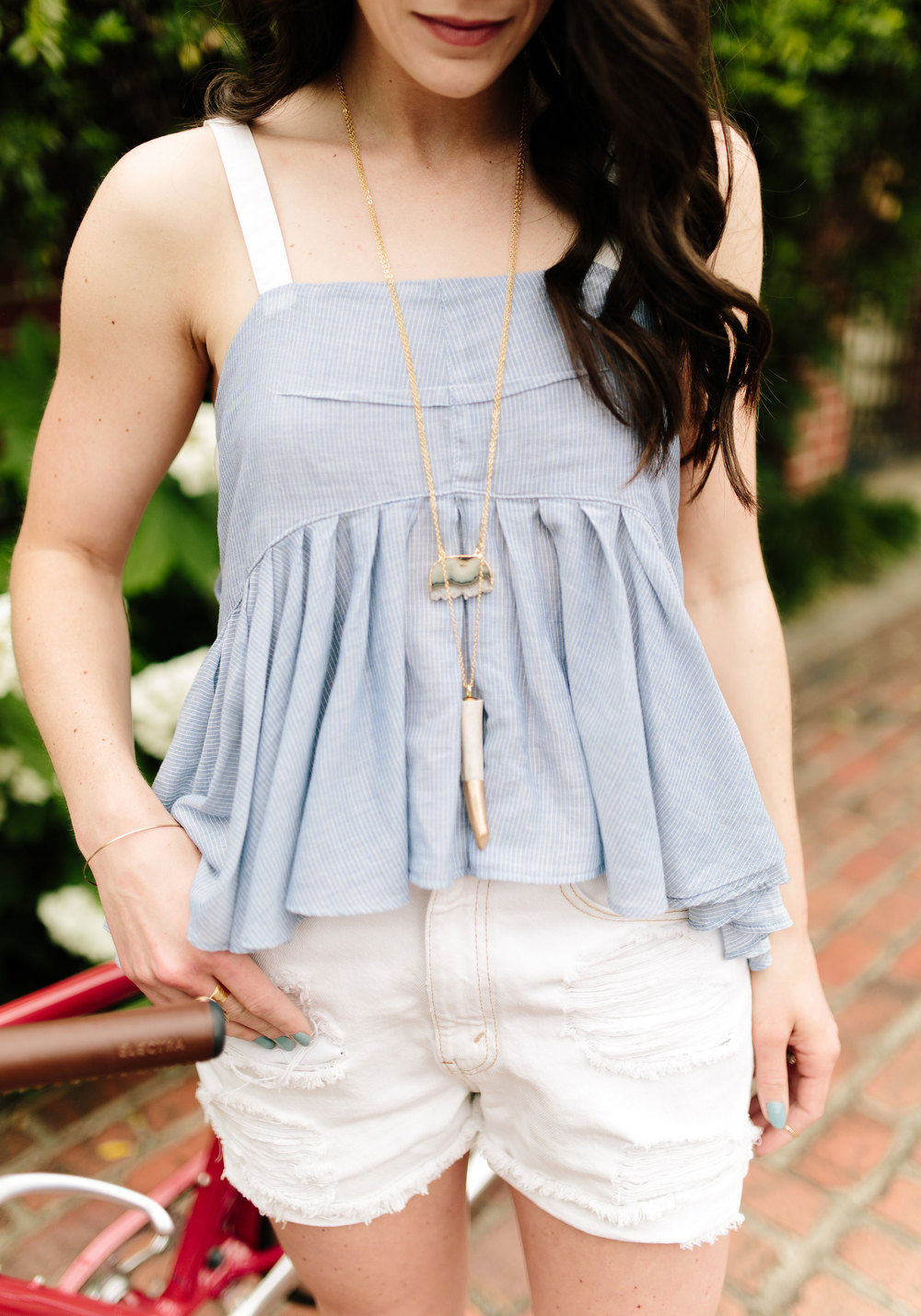 Fashion Blogger, Nashville Style, Electra Bicycle, Free People, Levis Shorts, Rebecca Minkoff, Summer Style