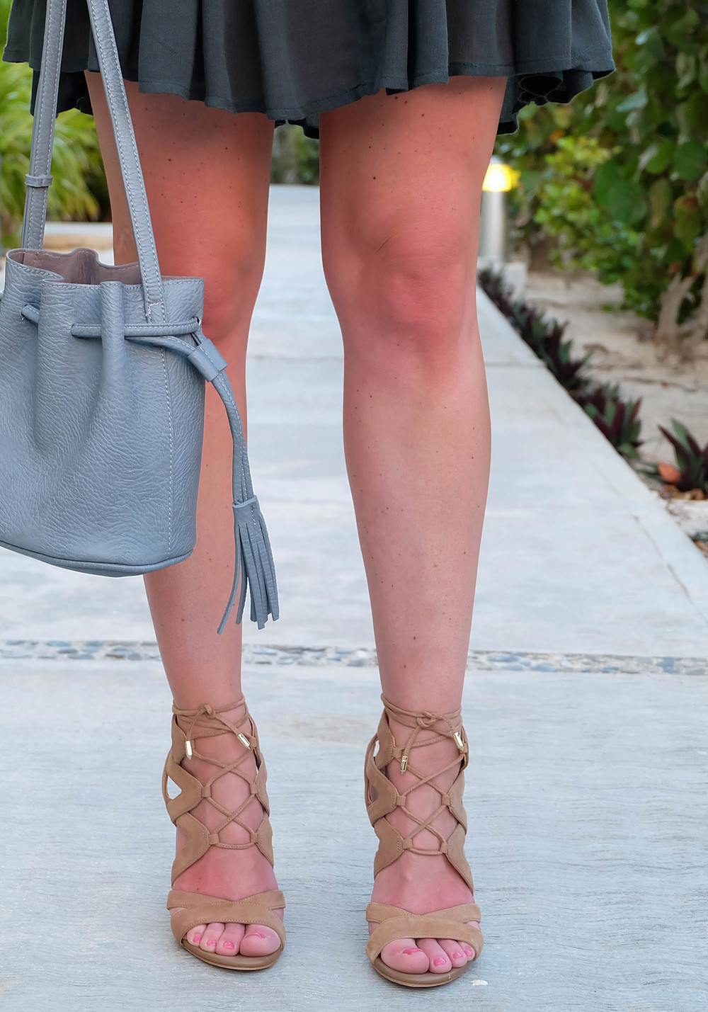 What To Wear On Vacation, Free People With Love From India Dress, Sam Edelman Yardley Lace-Up Sandals, Chambray Bucket Bag, Turquoise Necklace, Wet Hair In A Topknot