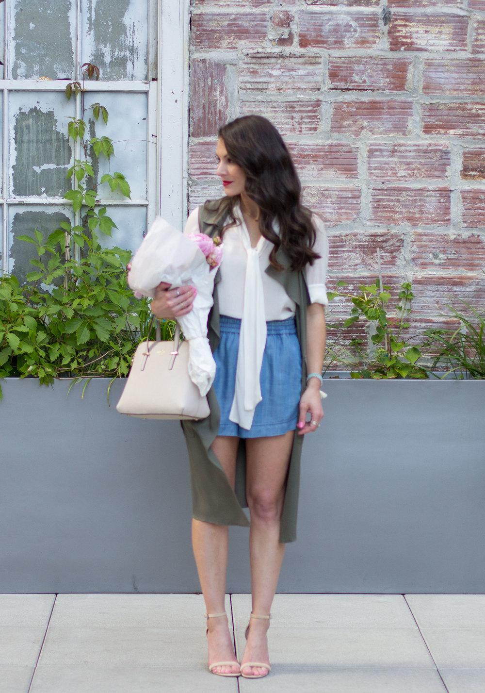 Cute Summer Work Outfit, How To Wear Shorts To Work, Who What Wear for Target Smocked Chambray Shorts and Sleeveless Trench, White Bow Blouse, Kate Space Cedar Street Maise, Aldo Cicci Sandals, and Jewelry from Something Silver.