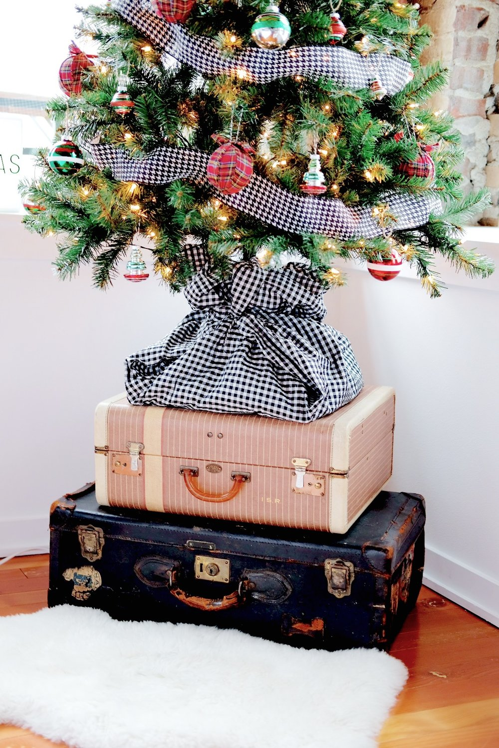 Plaid Christmas ornaments, Small Christmas Tree decorations, Dog Proof Christmas Tree, Christmas Tree on Vintage Suitcases, Fake Christmas Tree DIY Skirt, Vintage Ornaments, Christopher Radko Shiny Brite Ornaments.