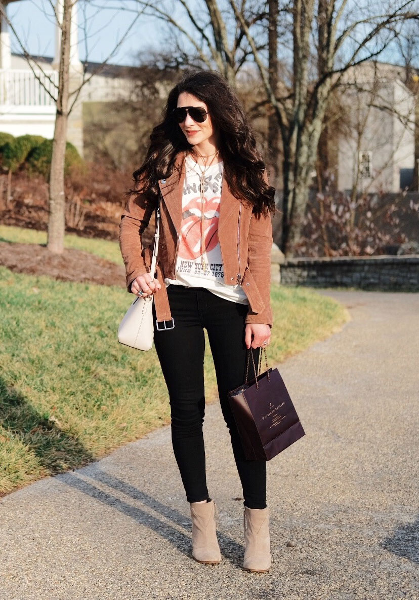 Cute winter outfits.  4 ways to style a Blank NYC suede moto jacket, TOMs lunata booties. Tommy Hilfiger vintage Rolling Stones tee, Black Skinny Jeans, suede wrap choker necklace, and Ray-Ban sunglasses.