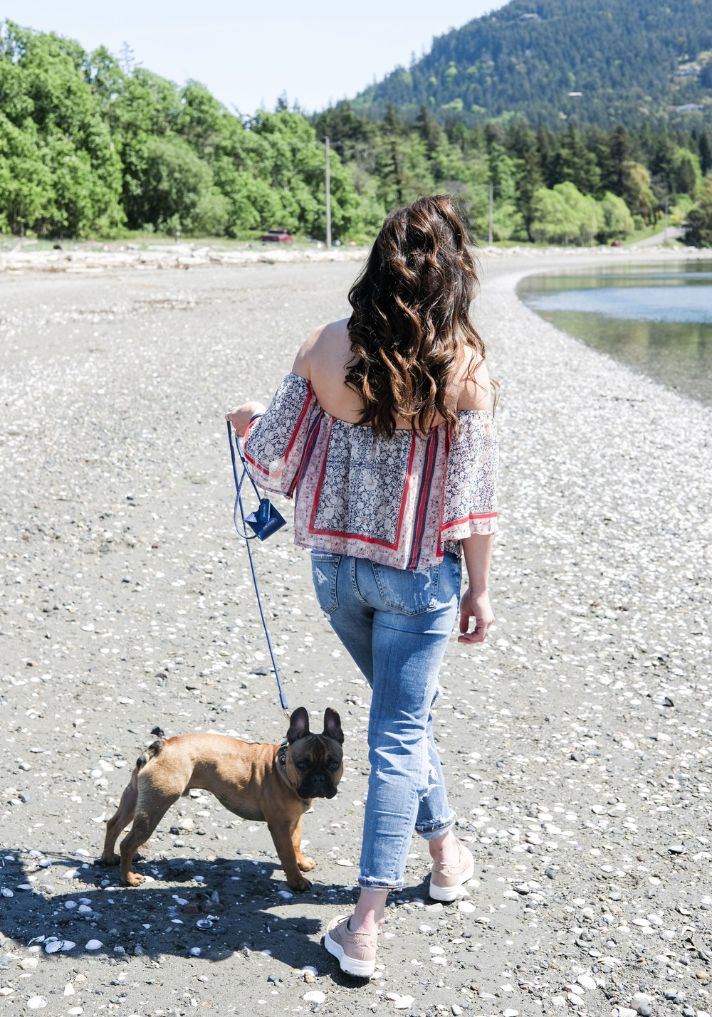 San Juan Islands Washington.  What to do for a weekend in the San Juan Islands.  Places to stay and eat on Orcas Island and Friday Harbor. Off the shoulder top with destroyed skinny jeans and Shelly's London Kimmie platform sneakers.