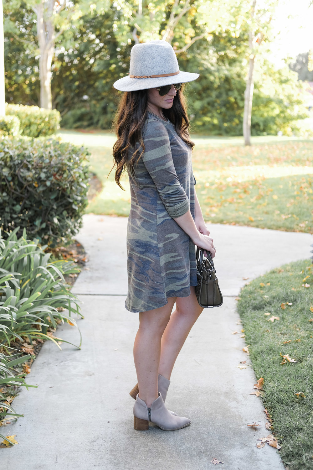 cute fall outfit, long sleeve camo dress, seychelles chaparral booties, gray fedora outfit, coach swagger handbag.