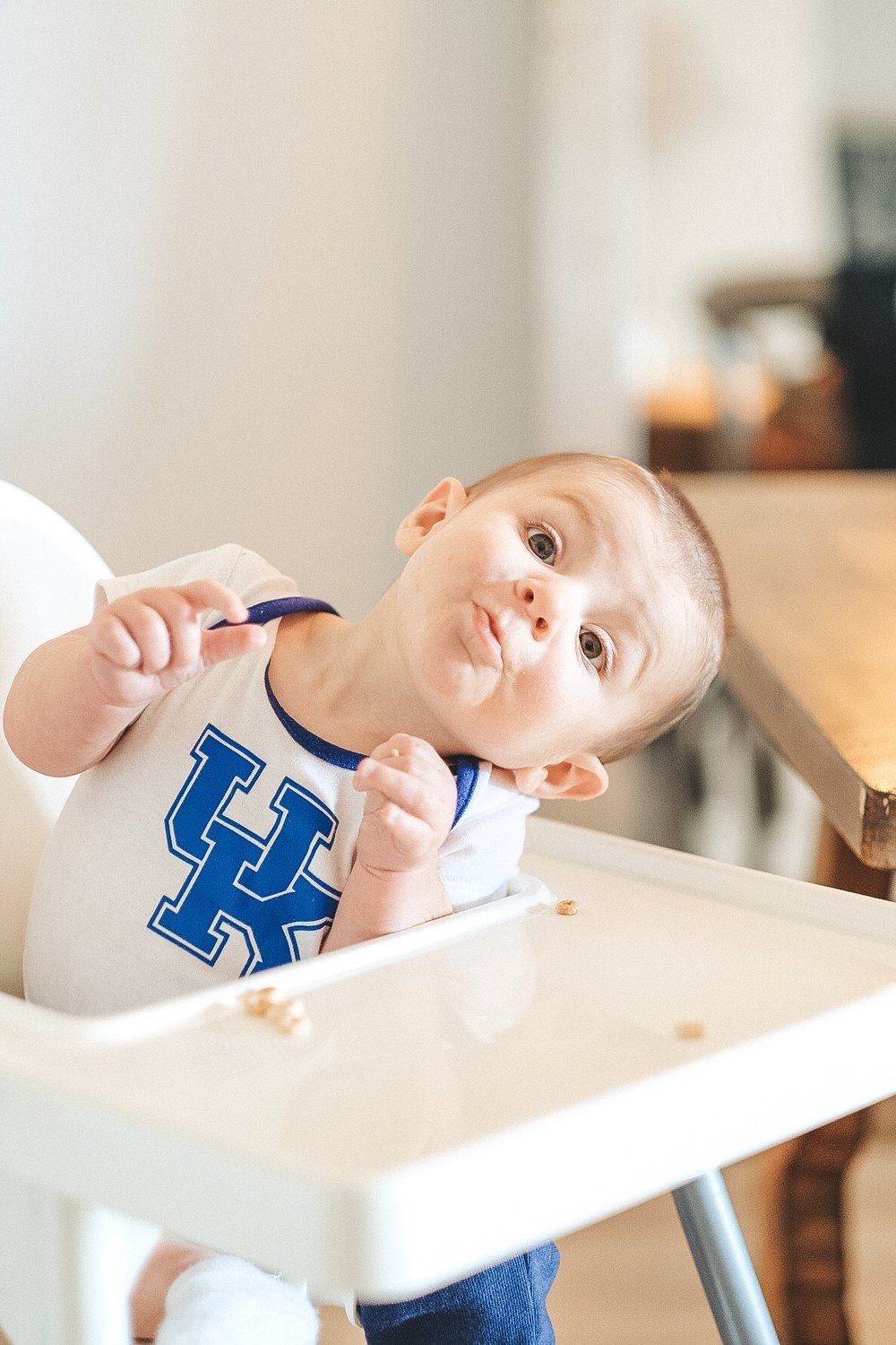 Introducing solids.  Baby LED Weaning mixed with purees.  How we introduced solid foods.