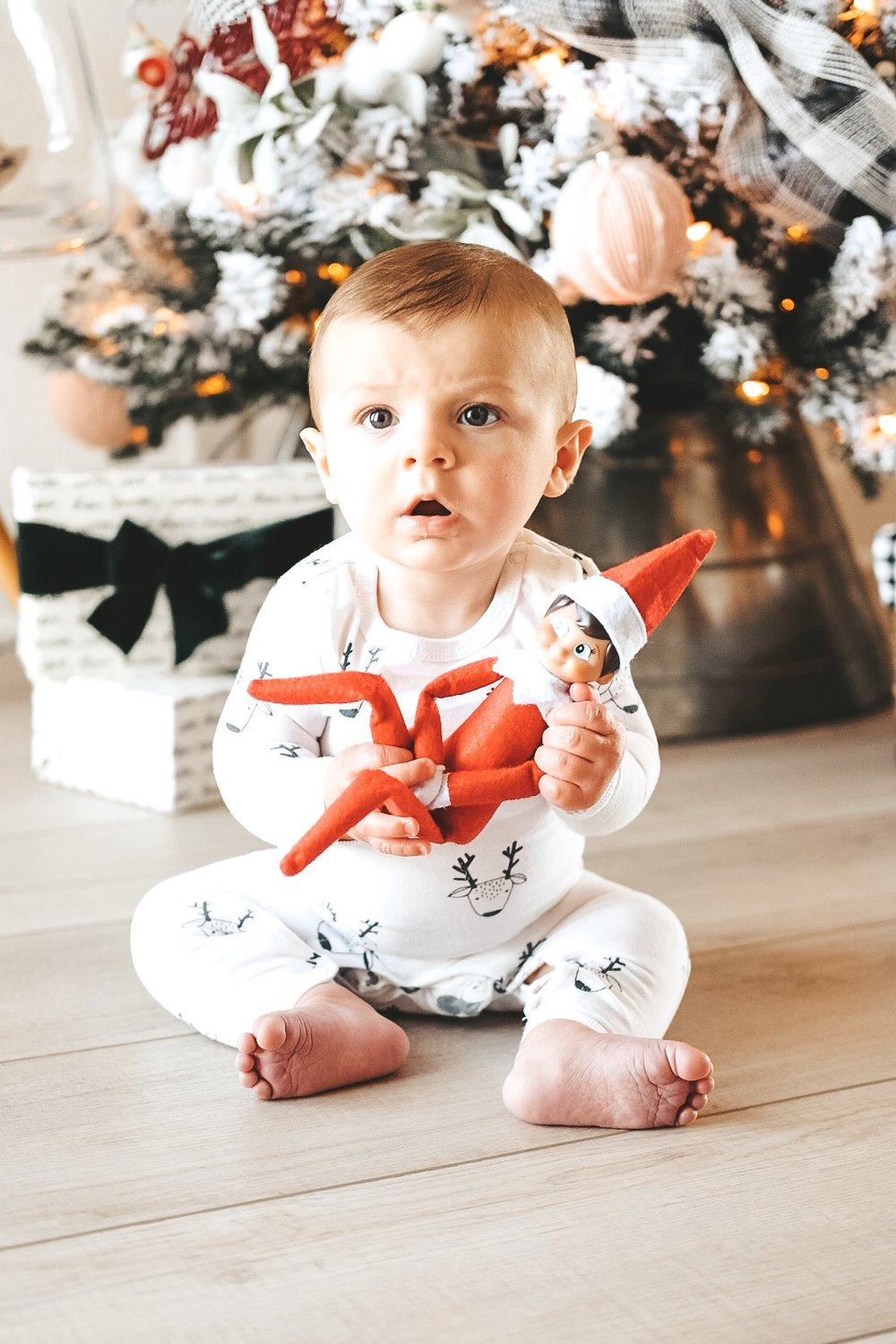 Tips to take better photos of toddlers.  How to take better photos of your baby.  Lightroom presets for baby photos.  Baby Christmas photos.