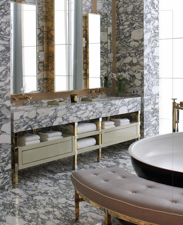 Marble Bath | Interiorsdigital.com