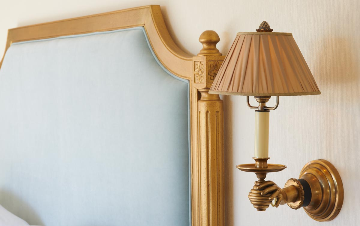Marlton_Hotel_The_Full_Sconce