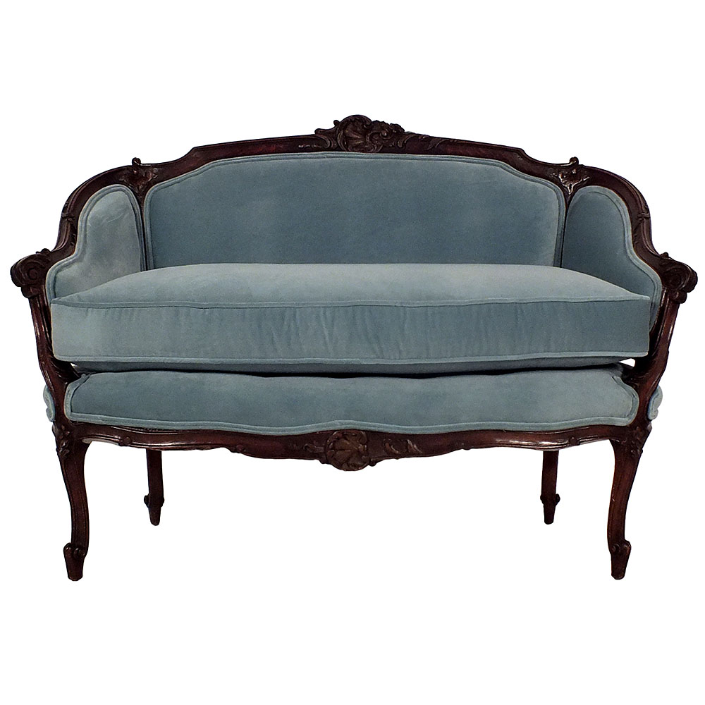 F     rench Settee