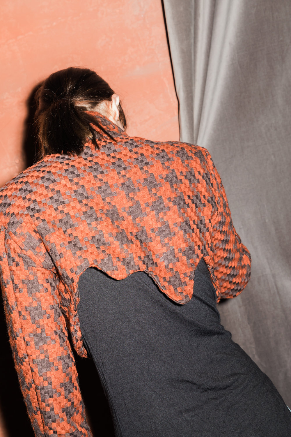 HOUNDSTOOTH DRIP BACK CROPPED JACKET