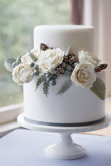 winter-wedding-cake.jpg