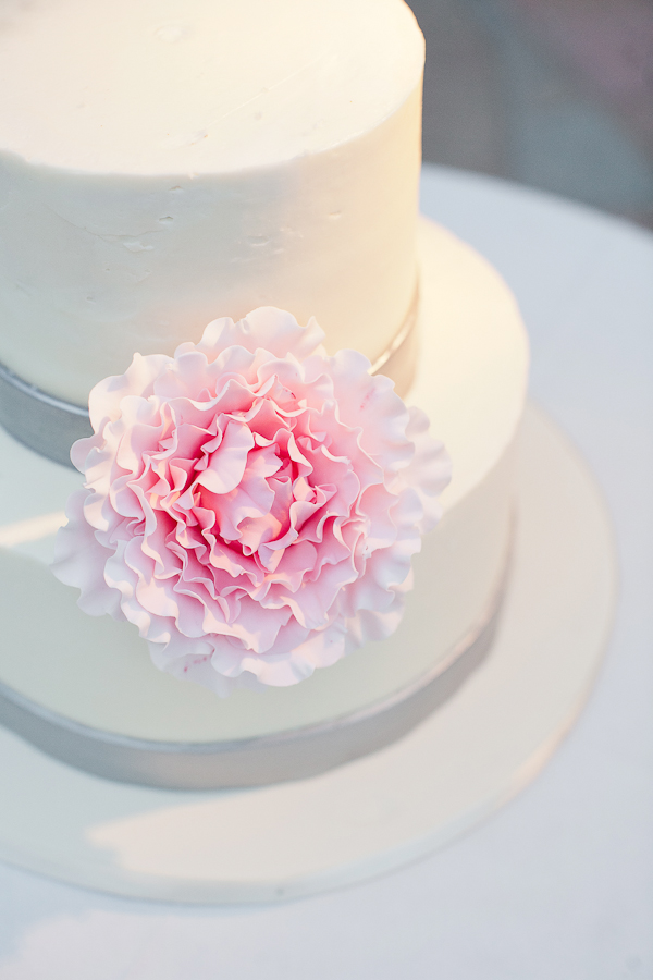 Southern-weddings-Southern-wedding-ideas-pink-peony-wedding-cake-pink-and-grey-wedding-cake-Florida-wedding-modern-Florida-wedding.jpg