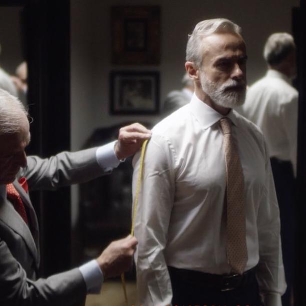 """SOLITO   """"Hecho a la medida"""" fue el concepto que manejamos en la campaña de estos lujosos trajes. El resultado fue un cineminuto lleno de elegancia."""